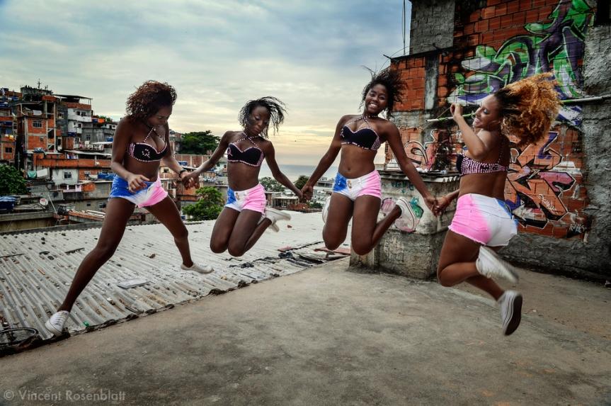 028_Baile_Funk_Dancers.jpg